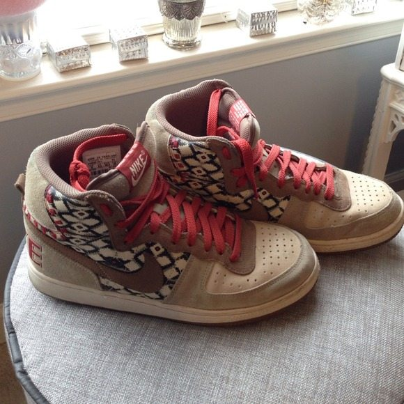 aztec nike shoes