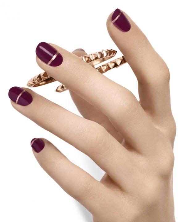 band of gold hot nail art
