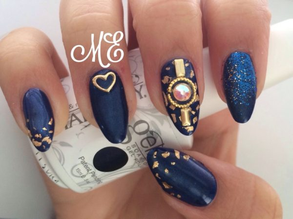 blue hot nail design