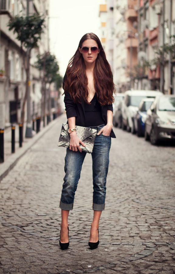 boyfriend fit jeans outfit