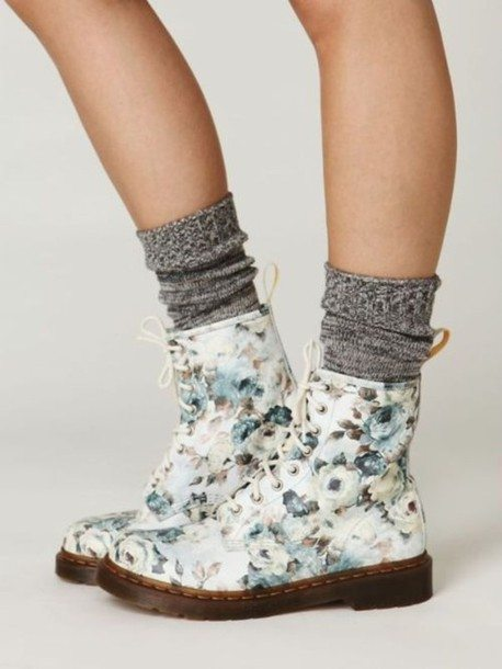 gray-blue-white-boots-floral-drmartens