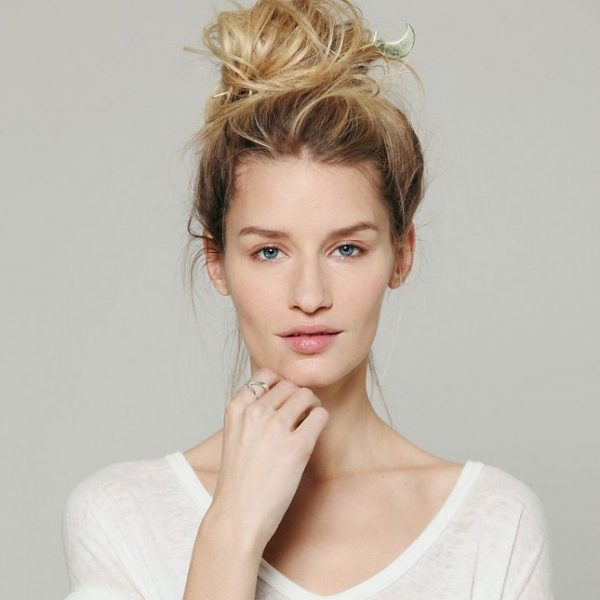 hair bun with celestical hair bun