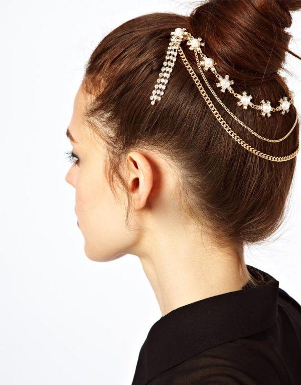 hair bun with head chain