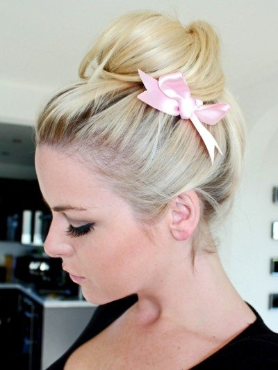 hair bun with side bow