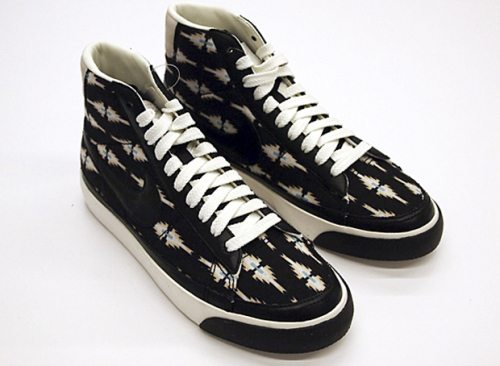 print aztec nike shoes black