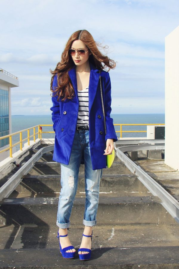 out of the blue coat with boyfriend jeans