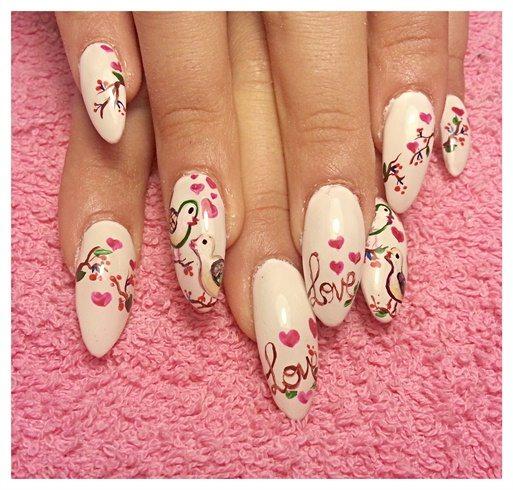 soft valentine nail design
