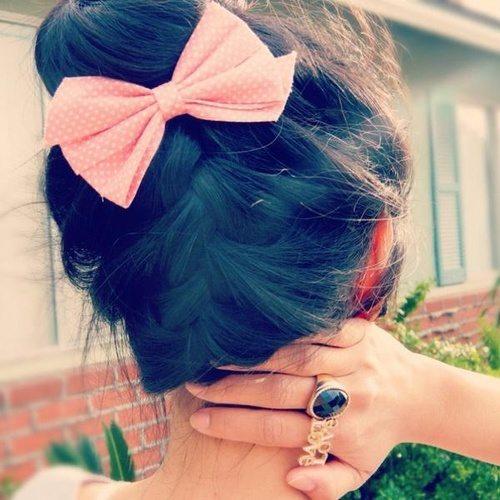 tumblr hair bun with bow