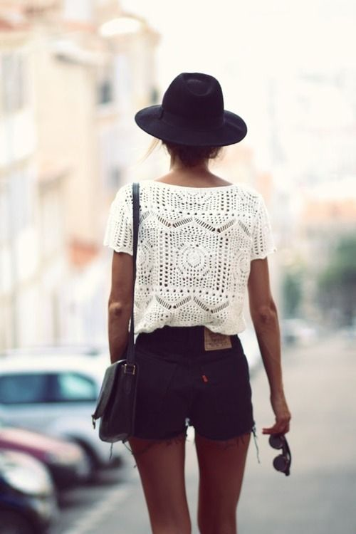 black short with crochet