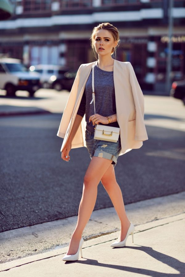 casual weekend outfit with short and blazer