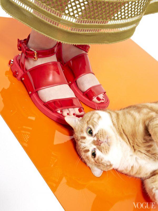 givenchy-bordeaux-lucite-sandals