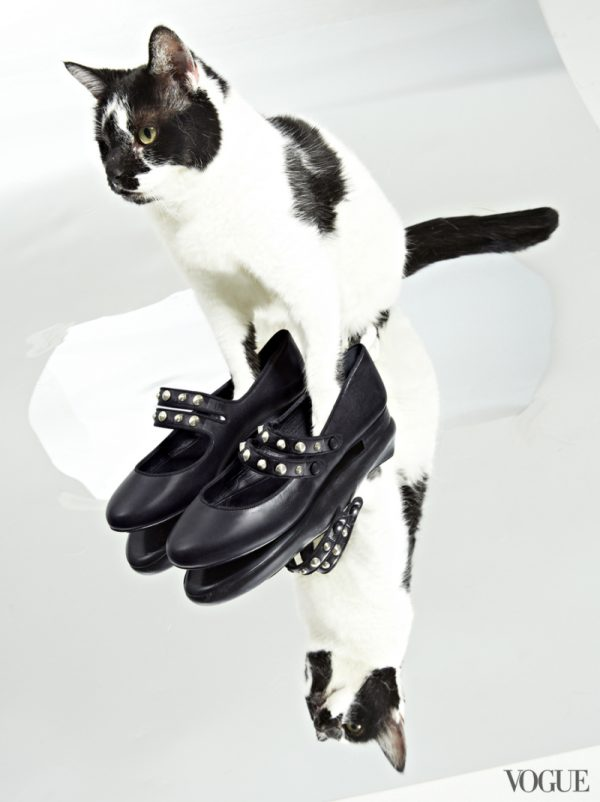 saint-laurent-classic-dance-studded-strap-ballerina-flats