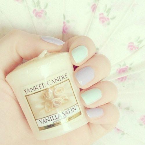 simple pastel nail