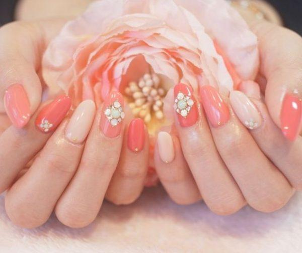 soft coral nail design