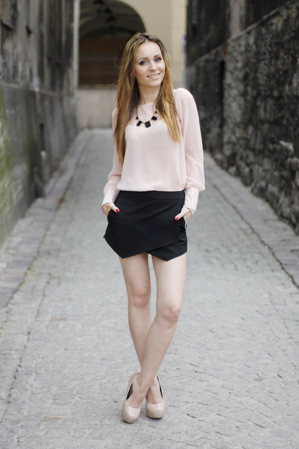blush pink blouse with black skort bmodish