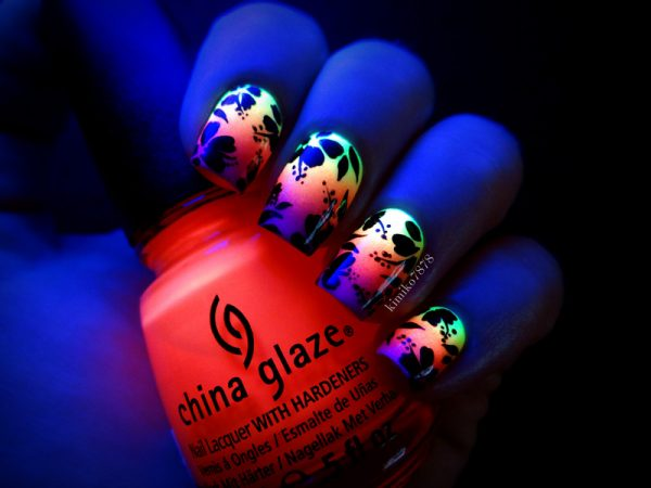 glow in the dark hibiscus nail art bmodish dot com