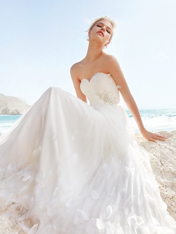 tulle wedding dress pronovias 2014
