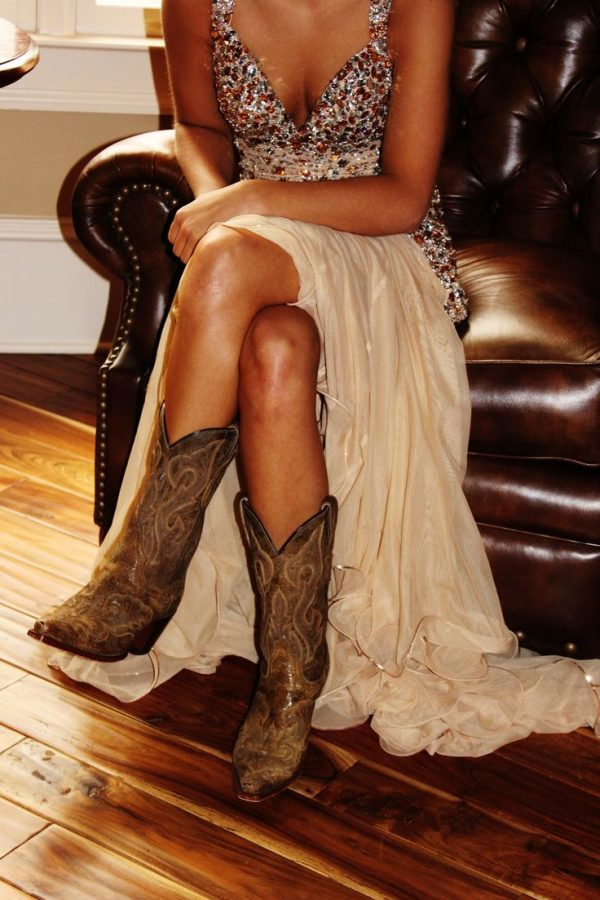 Stylish Square Toe Cowgirl Boots - Be Modish