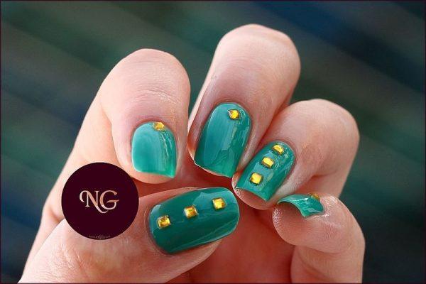 green stud nailart bmodish