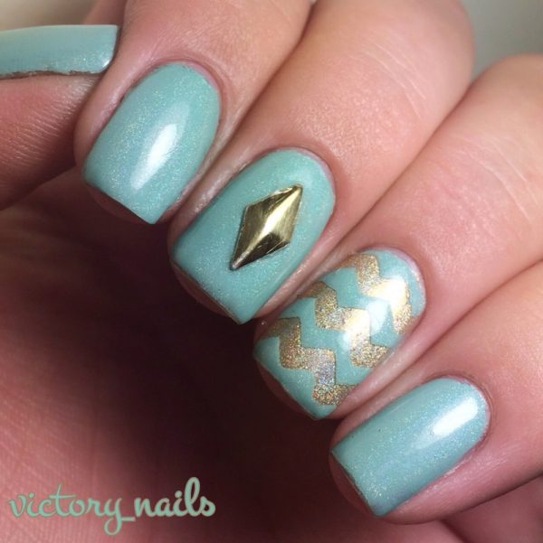 mint and gold chevron nailart bmodish