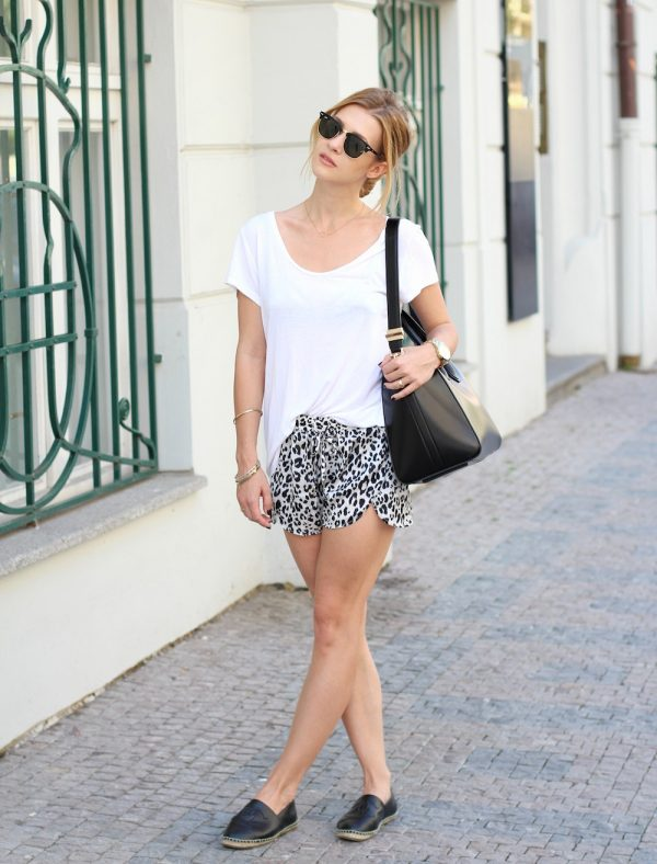 white basic shirt with short bmodish