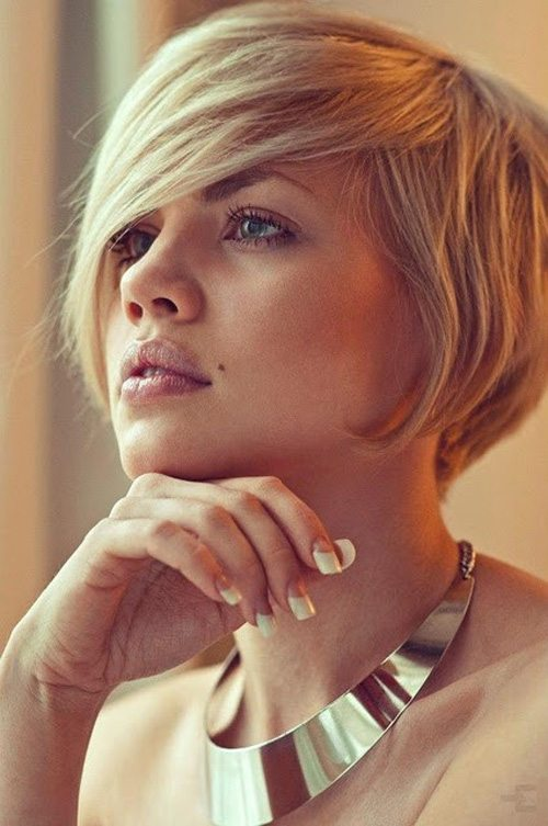 Short-Bob-Hairstyles-with-Bangs-for-Round-Faces