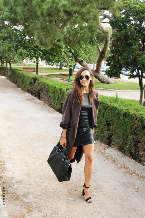 black dress with trench coat bmodish
