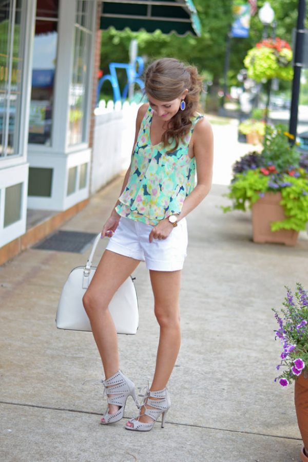 lush green cami with white short bmodish