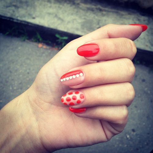 red polka dot nailart bmodish