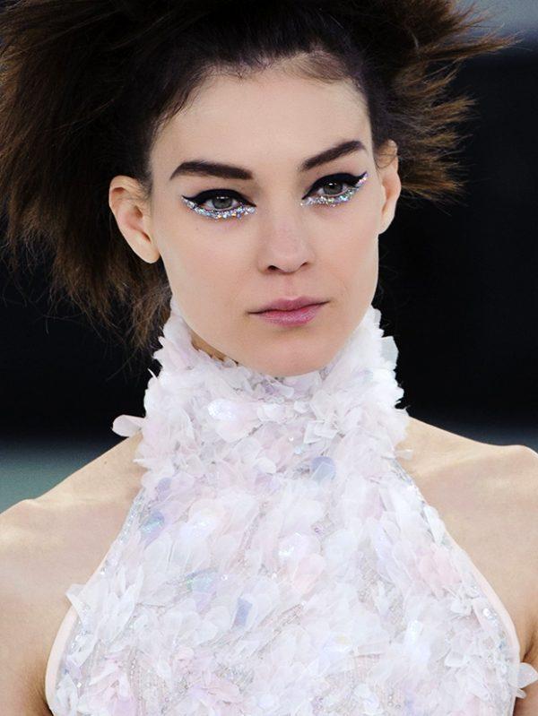 Kati Nescher Chanel Glitter Eye shadow bmodish