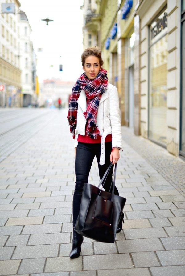 burgundy tartan scarf fall fashion bmodish