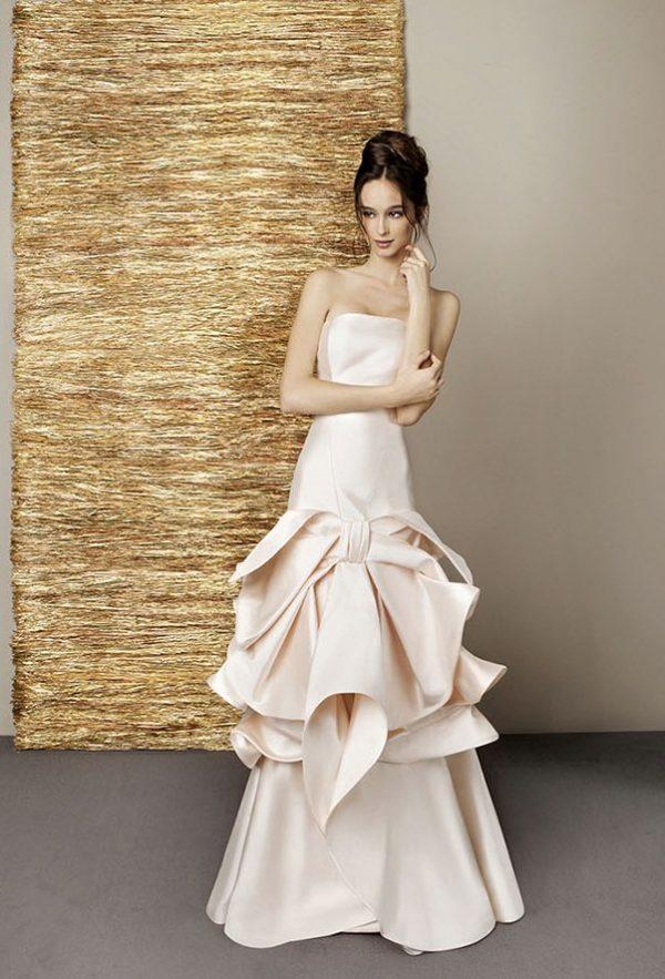 Backs Dazzling of wedding dresses catalog photo