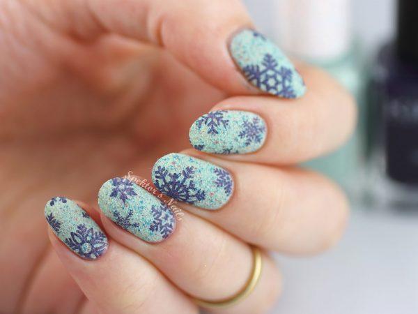 Textured-Snowflake-Stamping-bmodish