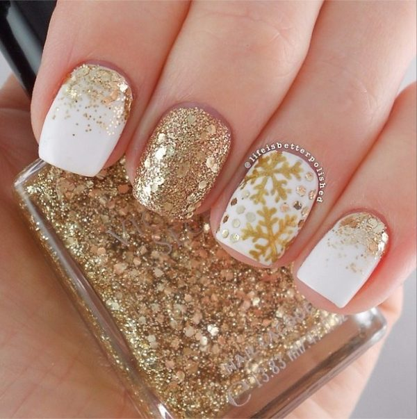 33 beautiful snowflake nail art designs be modish gold snowflake nail art bmodish prinsesfo Image collections