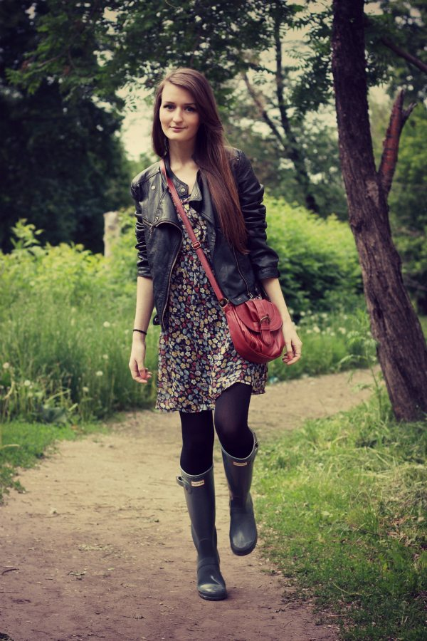 how to wear hunter boots with dress bmodish