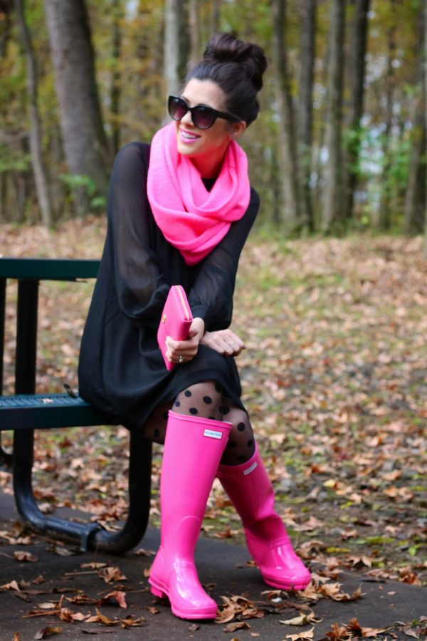 how to wear pink rain boots bmodish
