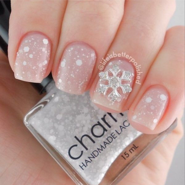33 beautiful snowflake nail art designs be modish white snowflake nail art bmodish prinsesfo Image collections