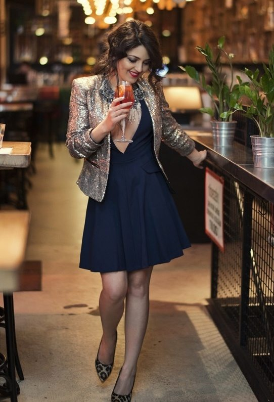 zara-dark-blue-dune-dresses with sequin blazer outfit bmodish