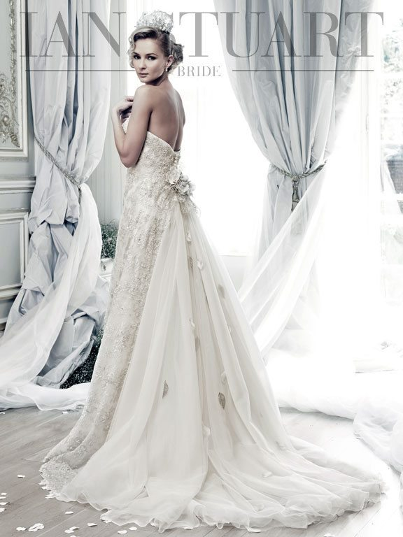Lady Luke Collections Antilies sand wedding dress via bmodish