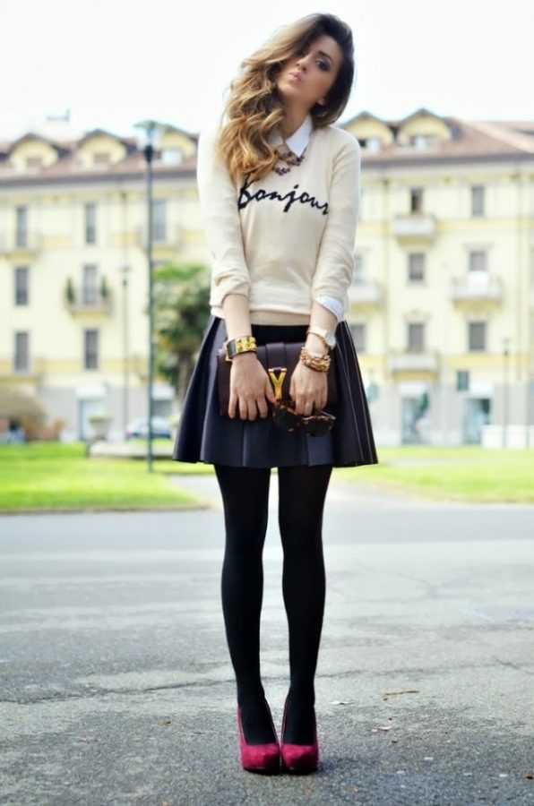 cute way to wear mini skirt in fall and winter