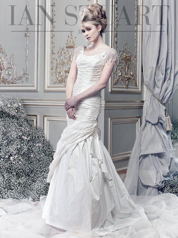 Boodles-ivory wedding dress via bmodish