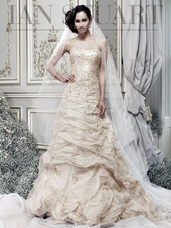 Ember-honey wedding dress via bmodish