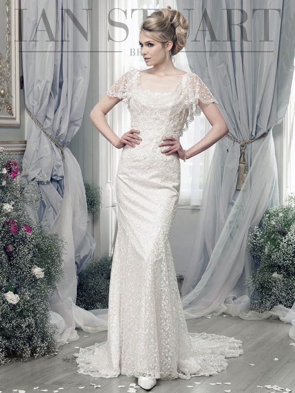 Lady Luke Collections Tattinger ivory wedding dress via bmodish
