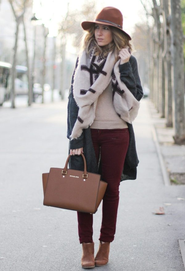 how to wear colored jeans in winter