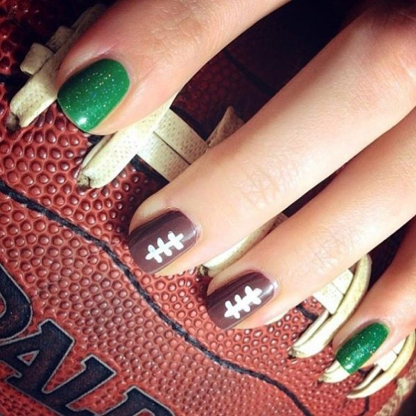 simple easy super bowl nail design bmodish