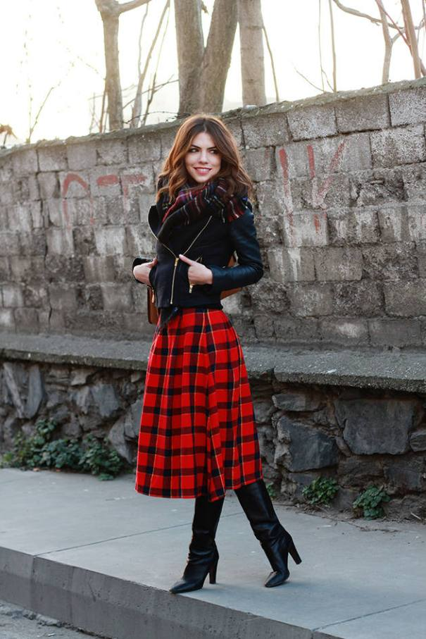 how to wear midi tartan skirt in winter