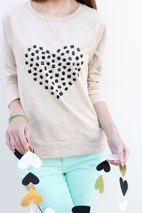 DIY-Jewelead-Heart-Sweatshirt via bmodish