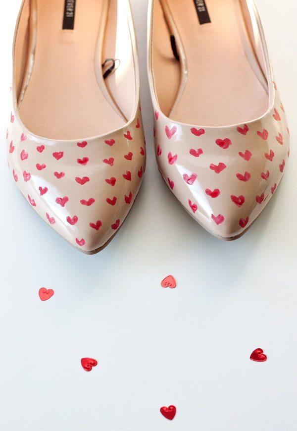 cute love painted flat shoes via bmodish