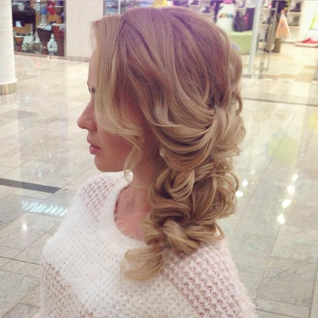 side bridal hair for valentines day via bmodish