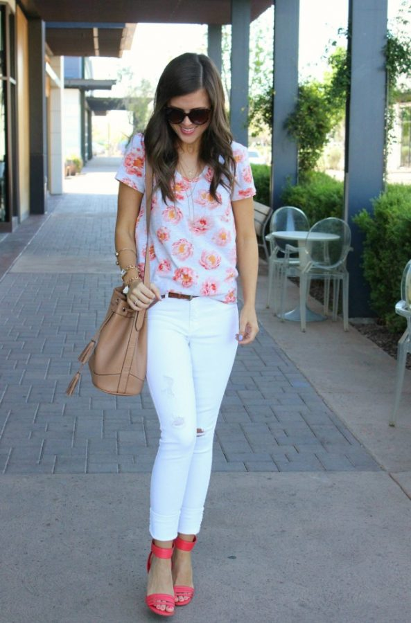 LOFT Floral Tee casual spring outfit bmodish